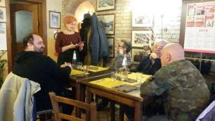 Antonio Morganti (tecnico di studio), Davide Ragazzoni, Michele Polga e Giorgio Spolaor (titolare dello studio di registrazione BLUE TRAIN di MIRA-VE). Sono al ristorante dove si pranza durante una pausa della registrazione