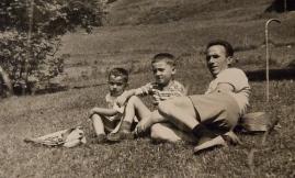 Massimo Donà con il padre e il fratello