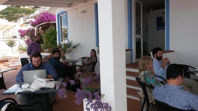 Alcuni protagonisti della summer school di CASTELSARDO (giugno 2016), durante una pausa