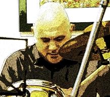 Davide Ragazzoni alla batteria.