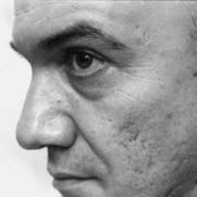 Massimo Donà. Di profilo, in bianco e nero.