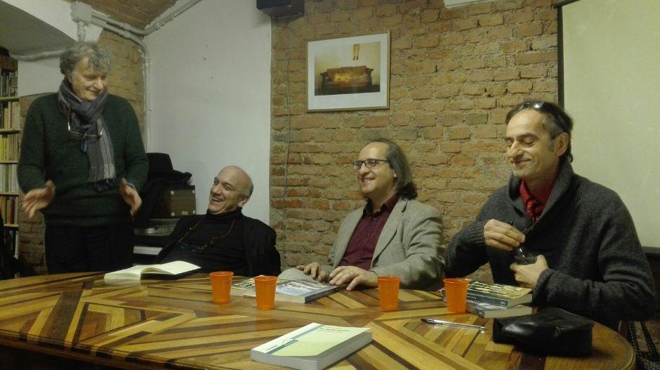 enrico-moretti-massimo-dona-fabio-botto-e-roberto-caracci-neglei-spazi-della-libreria-popolare-di-via-tadino-a-milano-l8-novembre-2016