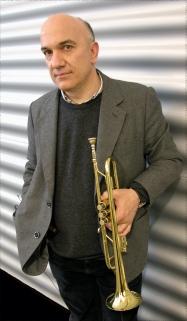 Massimo Donà prima di un concerto a Roma.