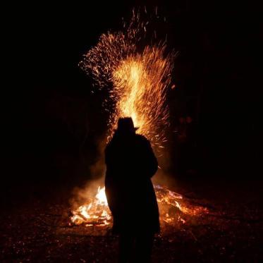 il-filosofo-massimo-dona-brucia-la-vecchia-da-gardenal-nel-gennaio-del-2017-foto-di-maurizio-scarpa
