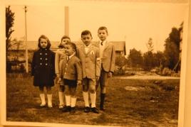 Massimo Donà con il fratello Claudio e altri cugini