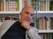 Massimo Donà in casa.