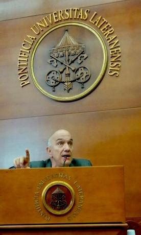 Massimo Donà alla PONTIFICIA UNIVERSITA' LATERANENSE nel maggio 2016