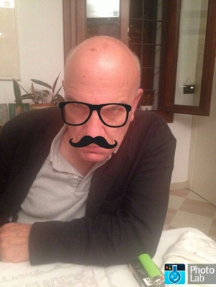 Massimo Donà... ma è lui ? Cosa non si può fare con le app.......