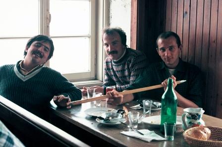 Tanti anni fa... quando Massimo Donà aveva i baffi.... in montagna con il grande Maurizio Caldura (sax tenore) e un amico