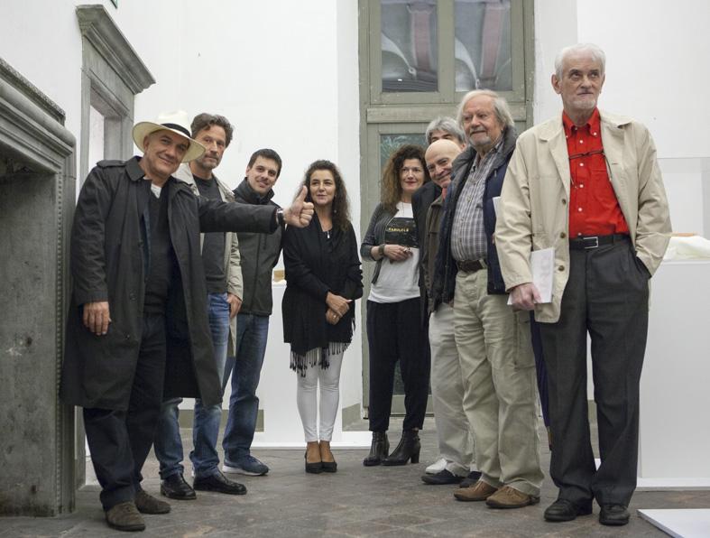 Massimo Donà e Carlo Invernizzi con gli artisti della mostra %22FORMAE%22, Bonum, Pulchrum, Verum - Monastero di ASTINO (Bergamo - Ottobre 2015)
