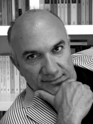 Massimo Donà in bianco e nero (a casa propria).