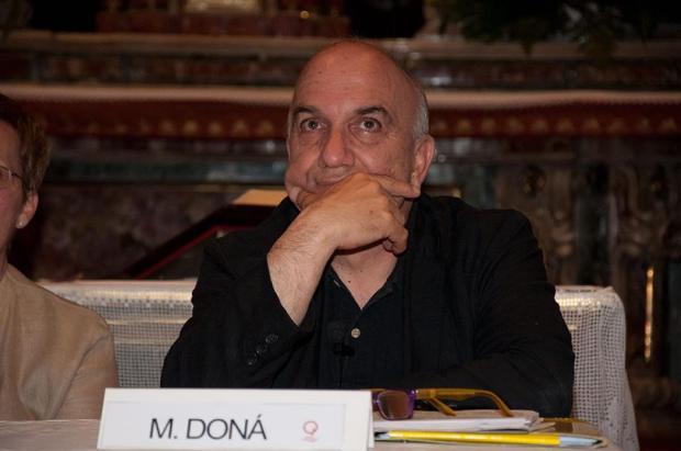 Massimo Donà prima di una conferenza a Orzivecchi