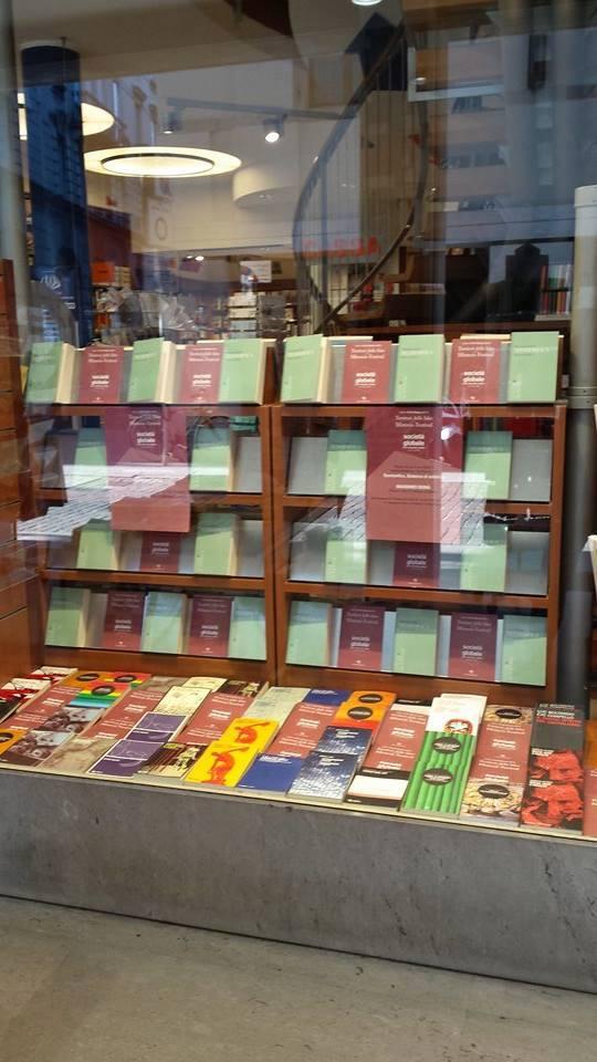 Libreria Moderna Udinese.Massimo Dona Teomorfica Libreria Moderna Di Udine