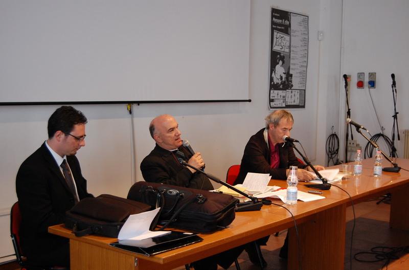 Massimo Don+á con David RIondino ed Erasmo Storace durante la Festa della Filosofia