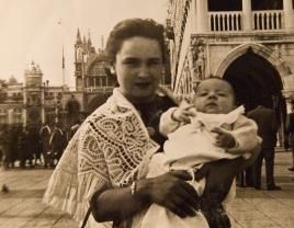 La madre di Massimo Donà con il fratello