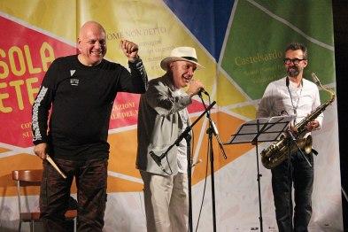 Il trio di Massimo Donà (con michele polga e davide ragazzoni) ringraziano e salutano il pubblico di CASTELSARDO (2015)