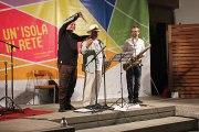Massimo Donà, Davide Ragazzoni e Michele Polga ringraziano e salutano il pubblico. CASTELSARDO, 20 settembre 2015.