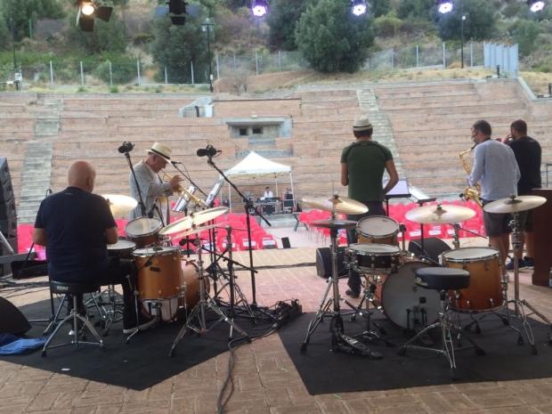 Durante il SOUND CHECK - Massimo Donà con il quartetto, di spalle (22 agosto 2017) - roccella jazz festival