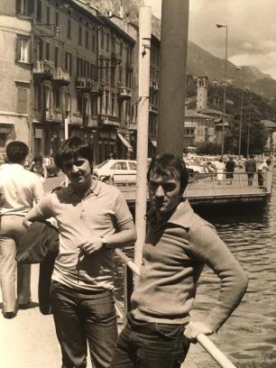 Massimo Donà con Maurizio Caldura a Lovere (Lago d'Iseo), prima di suonare con l'orchestra di Giorgio Gaslini, non ricordo bene... se alla fine degli anni 70 o all'inizio degli 80