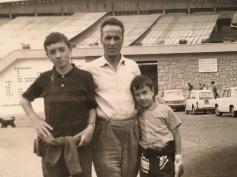 Massimo Donà, suo fratello Claudio e suo padre ROBERTO in montagna... (Massimo ha il dito fasciato per una ferita da coltellino)