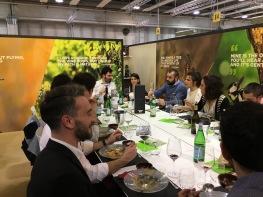 A VINITALY 2017, Giacomo Petrarca con gli allievi del Master in filosofia del cibo e del vino