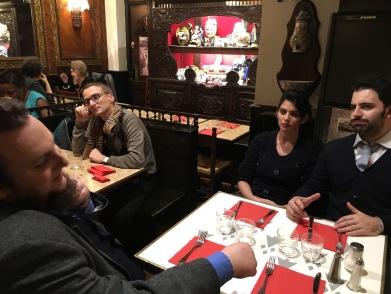 Davide Grossi, Costanza Saglio e Giacomo Petrarca in una creperie di Parigi (Novembre 2016)