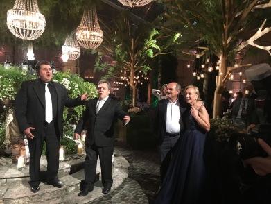 Marilisa Allegrini e Oscar Farinetti nella corte di VILLA DELLA TORRE durante le giornate di VINITALY