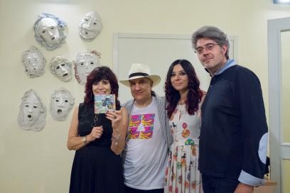 Massimo Donà con Claudio Uberti, Francesca Nodari e sua madre, che esibisce l'ultimo cd del Massimo Donà Trio (IL SANTO CHE VOLA)