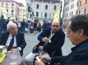 VINCENZO VITIELLO, Luca Taddio e Maurizio Ferraris a Mestre durante il festival della politica di MESTRE nel settembre del 2017