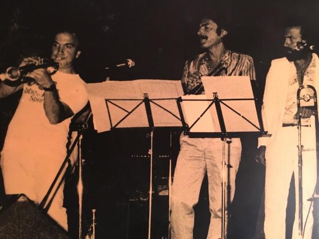 Massimo Donà con Enrico Rava e il compianto Danilo Terenzi al FESTIVAL JAZZ di Roccella Jonica nel 1982