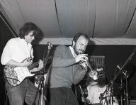Massimo Donà, con Vincenzo Mingiardi alla chitarra e Davide Ragazzoni alla batteria al CLUB MAGAZINE a Mestre nel 1983