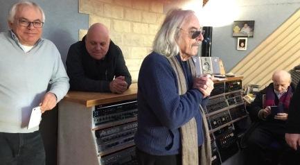 Enrico Rava mentre ascolta il suo assolo in DABADADA... registrato a MIRA per il cd IPERBOLICHE DISTANZE